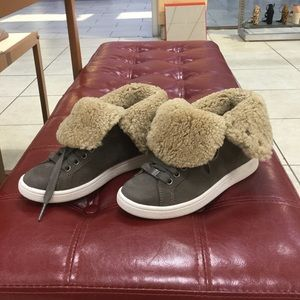 UGG Shoes - UGG Starlyn in mouse size 5.5